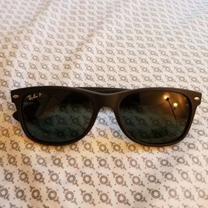 Ray ban new wayfarer polarized sunglasses